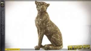 Statuette de léopard assis en résine, finition doré ancien, 26cm de hauteur finale