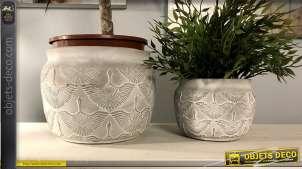 Série de deux jardinières en ciment avec motif d'oiseau maya, 2 tailles différentes
