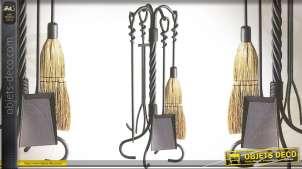 Valet de cheminée en fer forgé style antique avec accessoires