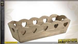 Banneton en bois avec découpes coeurs