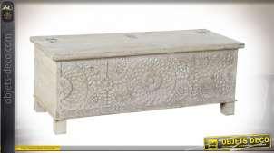 Coffre banc en bois de manguier sculpté, finition blanchie, 122 cm