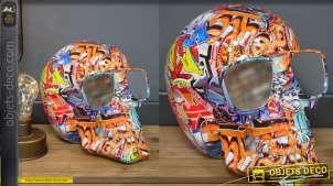 Crane humain en résine version street art et dessins colorés, lunettes aux carreaux miroités, style contemporain, 26cm
