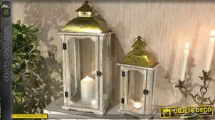 Série de deux lanternes en bois et métal, finition blanchi et doré brillant, inscription Home sur le toit, 63cm