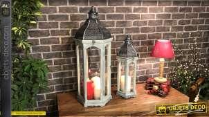 Série de deux grandes lanternes en bois et métal, finition gris effet usé et anthracite argenté, 75cm