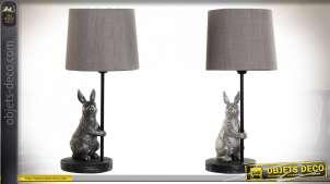 Série de 2 lampes de table en métal et résine avec représentations de lapins, ambiance chambre d'enfant, 35cm
