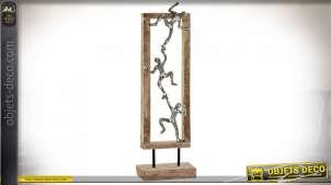 Statuette de grimpeurs en bois de manguier finition argentée et naturelle, 55cm