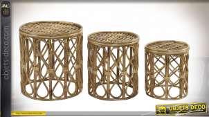Série de trois tables d'appoint en osier finition naturelle, 41cm