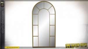 Grand miroir mural en forme de fenêtre en métal finition dorée, esprit jardin d'hiver 120cm