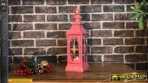 Lanterne en métal rose bonbon, bandes de strass brillants et patine doré ancien, esprit princesse, 40cm