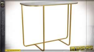 Console de style moderne chic en marbre finition blanche et dorée, 98cm