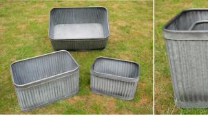 Série de trois jardinières rectangulaires en métal, finition vieux zinc esprit ancienne ferme, anses de transport, 60cm