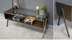 Table basse en métal et verre, finition laiton cuivré effet brossé, plateau en verre, ambiance rétro salle d'attente, 102cm