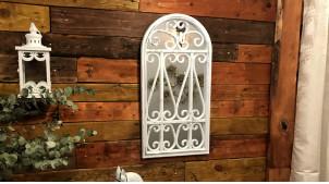 Miroir mural en forme de fenêtre, ambiance ferroneries blanches avec patine effet gris usé, 70cm