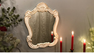 Miroir mural de style romantique finition blanc ancien et doré, encadrement en bois esprit shaby chic, 54cm