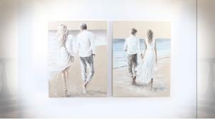 Série de deux tableaux de couples se promenant sur la plage, 120cm