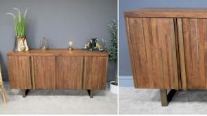 Buffet à trois portes en bois de manguier massif, ambiance et habillage de style  ivoirien en façade avec bandes de laiton vieillies, 160cm