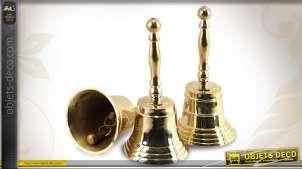 Série de trois cloches de table en laiton doré