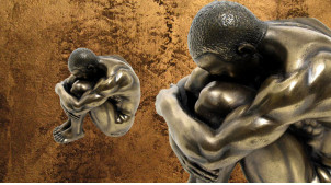 Triste et solitaire, représentation miniature d'un homme recroquevillé, en résine finition vieux bronze reflets dorés, collection Nudités, 6cm