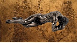 Accablé et fatigué, représentation d'un homme allongé sur le ventre, en résine finition dorée effet ancien, collection Nudités, 33cm