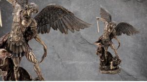 Archange Saint-Michel, grande représentation de l'ange repoussant les forces du mal, en résine finition dorée laiton vieilli, collection Terre des Dieux, 52cm