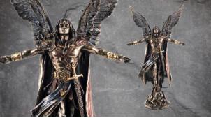 Archange Uriel, représentation de l'ange Flamme de Dieu, en résine finition bronze vieilli, collection Terre des Dieux, 28cm