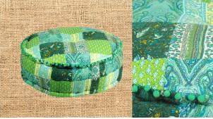 Gros pouf en coton épais effet patwork de tissus teinte de vert, intérieur polyester viscose pour confort optimal, ambiance champêtre, Ø60cm