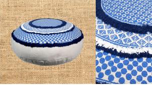 Très gros pouf en coton épais dans des teintes bord de mer, ambiance bleue et blanche à franges, Ø75cm