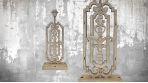 Pied de lampe en bois sculpté, modèle Bissau de 49cm, finition naturelle blanchie, ambiance vieille demeure