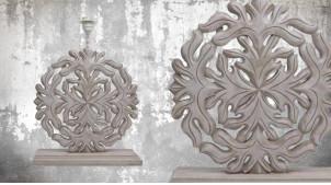 Pied de lampe en bois sculpté, modèle Bogota de 51cm, finition naturelle blanchie, ambiance rosace et arabesque