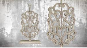 Pied de lampe en bois sculpté, modèle Buenos Aires de 58cm, finition naturelle blanchie, ambiance moulures et volutes
