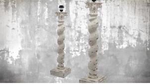Pied de lampe en bois sculpté, modèle Canberra de 68cm, finition naturelle blanchie décapée, ambiance bois tourné