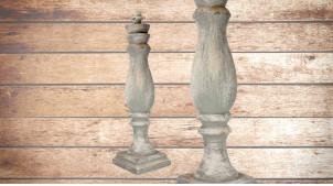 Pied de lampe en bois sculpté, modèle Alofi de 75cm, finition naturelle usée, ambiance vieille maison de campagne