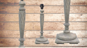 Pied de lampe en bois sculpté, modèle Asmara de 48cm, finition naturelle usée, ambiance bois tourné indémodable