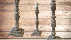 Pied de lampe en bois sculpté, modèle Berne de 41cm, finition naturelle usée, ambiance bois tourné indémodable
