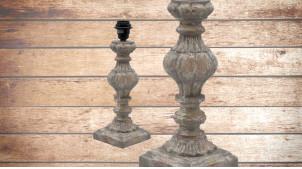 Pied de lampe en bois sculpté, modèle Madrid de 36cm, finition naturelle usée, ambiance vestige de civilisation ancienne