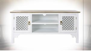 Meuble TV en bois de sapin finition blanche, 2 portes ajourées de style oriental, 120cm