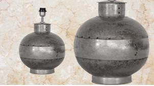 Pied de lampe sphérique en métal effet vieux zinc soudé, ambiance indus vieille ferme, rivets visibles, 28cm