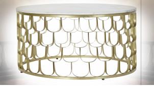 Table basse en marbre et fer ajouré finition doré de style moderne 81cm