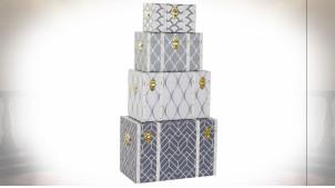 Série de 4 malles de rangement finition grise et blanche avec motifs géométriques ambiance rétro, 60cm