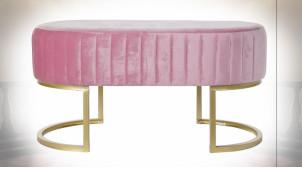 Bout de lit de style rétro en velours finition rose et pieds en métal dorés, 90cm
