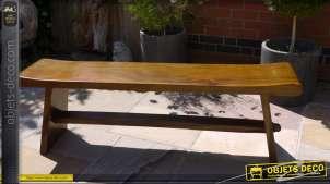Long banc de jardin de style rustique en bois massif