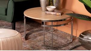 Table basse moderne métal chromé et bois clair, forme ronde, ambiance épurée, Ø80cm
