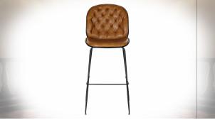 Chaise de bar en métal noir et dossier capitonné imitation cuir finition brun noisette ambiance rétro, 115cm