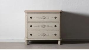 Commode à trois tiroirs en bois de sapin, finition crème antique effet vieilli, ambiance classique shabby, 92cm