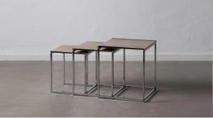Série de trois tables gigognes en métal chromé argent et bois effet chêne vieilli, ambiance moderne, 40/36/32cm