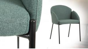 Chaise en tissus épais et métal noir charbon, modèle avec accoudoirs, ambiance rétro moderne
