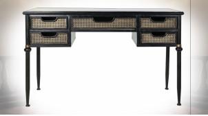 Bureau à 5 tiroirs en métal finition noire, façades de portes esprit cannage de rotin et reflets cuivrés ambiance classique, 122cm