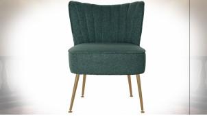 Chaise en polyester finition vert sapin et pieds en métal doré ambiance rétro, 72.5cm