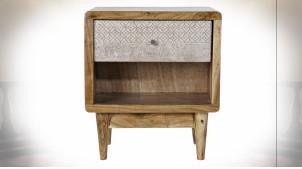 Table de chevet en bois d'acacia finition naturelle, façade de tiroir avec formes géométriques blanches esprit Boho, 50cm
