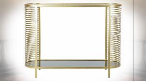 Console en métal finition dorée et plateaux en verre teinté noir ambiance moderne design, 106cm